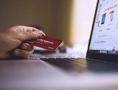 Kartu kredit AI ini dapat menghitung pengeluaran secara otomatis!